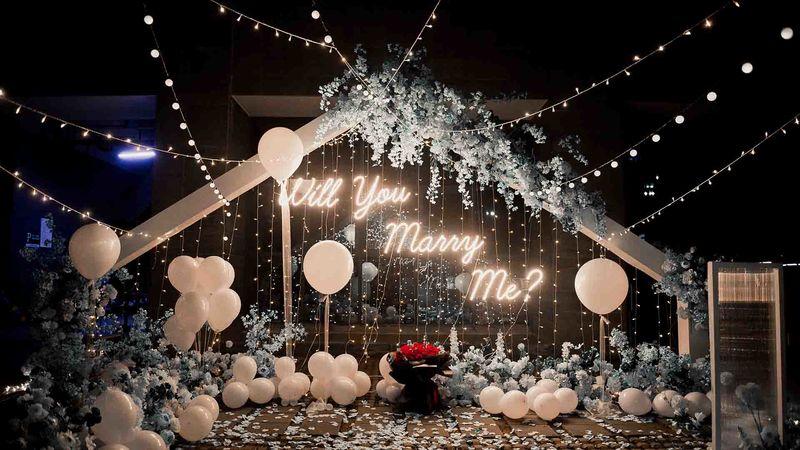 生死輪回間,悠悠歸流河——結婚周年紀念日布置